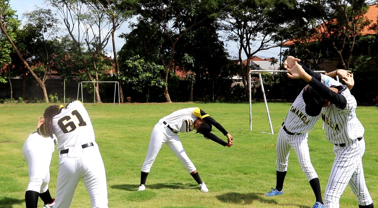 Soft Ball - SMA Negeri 5 Denpasar